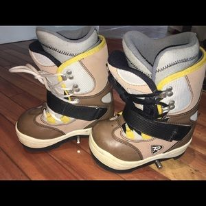 Youth 13 Step in snowboard boot bindings Rossignol